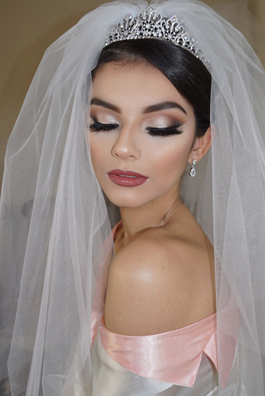 glamorous bridal makeup look by marrakech bridal makeup artist haley navarro