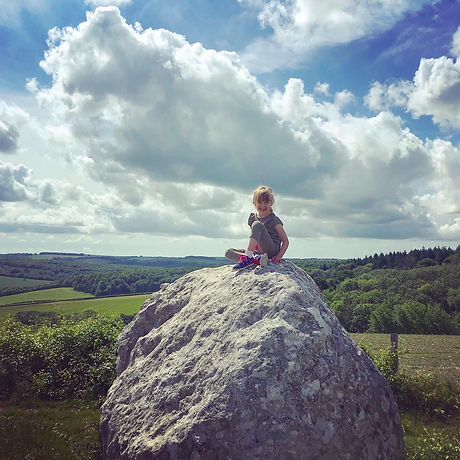 Free family adventures. Walks with the kids. Midhurst West Sussex.  South Downs Way. National Park. Cycling.