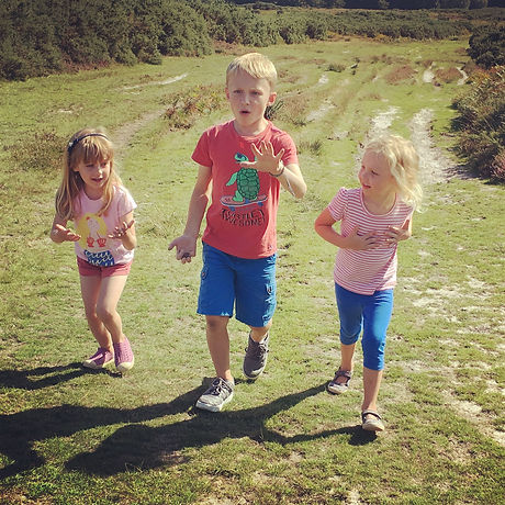 Child friendly walk Ashdown Forest. Free fun for all ages. Haywards Heath West Sussex. Easy walk
