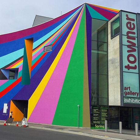 Free indoor activities for families and children Eastbourne East Sussex. Art Gallery.