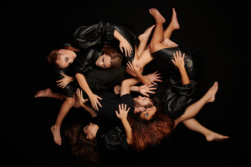 Shooting photo, séance photo, portrait, book photo, mode, sport, publicité, photo de couple, maternité, photo de famille, photographe, photographie, studio photo, maquilleuse, maquillage, coiffure, création, modèle photo, danse, cours de danse, professeur de danse, valse, moder jazz, classique, contemporain, chorégraphie, chorégraphie de danse, mariage, défilé, salon, lancement de produit, anniversaire, bapteme, evjf, evjg, événement, événementiel, photo de groupe, danse de groupe, ouverture de bal, relooking, apprendre à danser, art, artistique, projet, cadeau, offrir, passion, particulier, entreprise, à domicile, en studio, en extérieur, sur-mesure, réalisation, nantes, loire-atlantique, france, AYS Studio Event