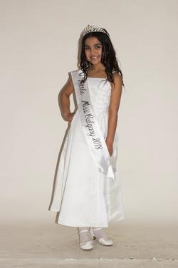 local-girl-Little-Miss-Calgary-image
