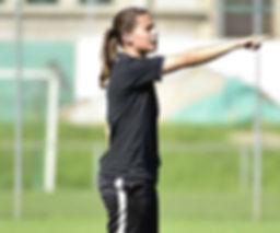 Trainerin Fussball.JPG