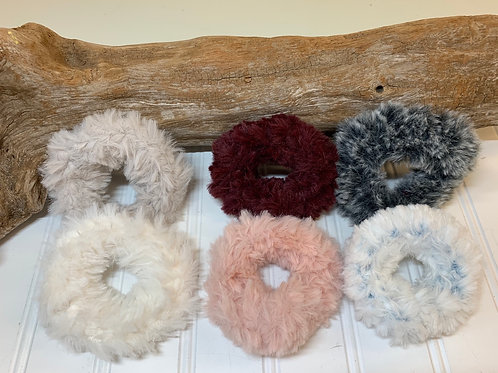 Fuzzy scrunchies 2 pack