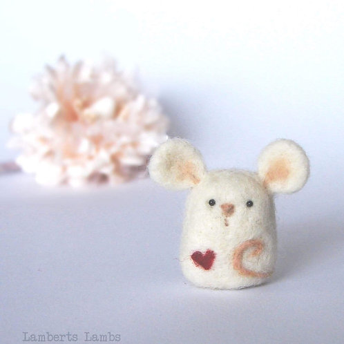 Felting Soap and Animals with Lousie