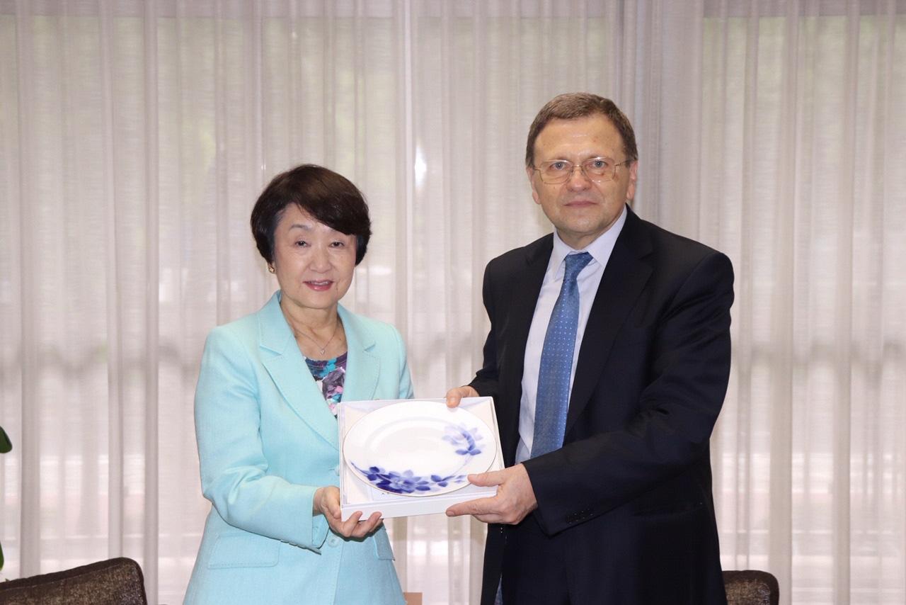 横浜市長とブルガリア大使面会