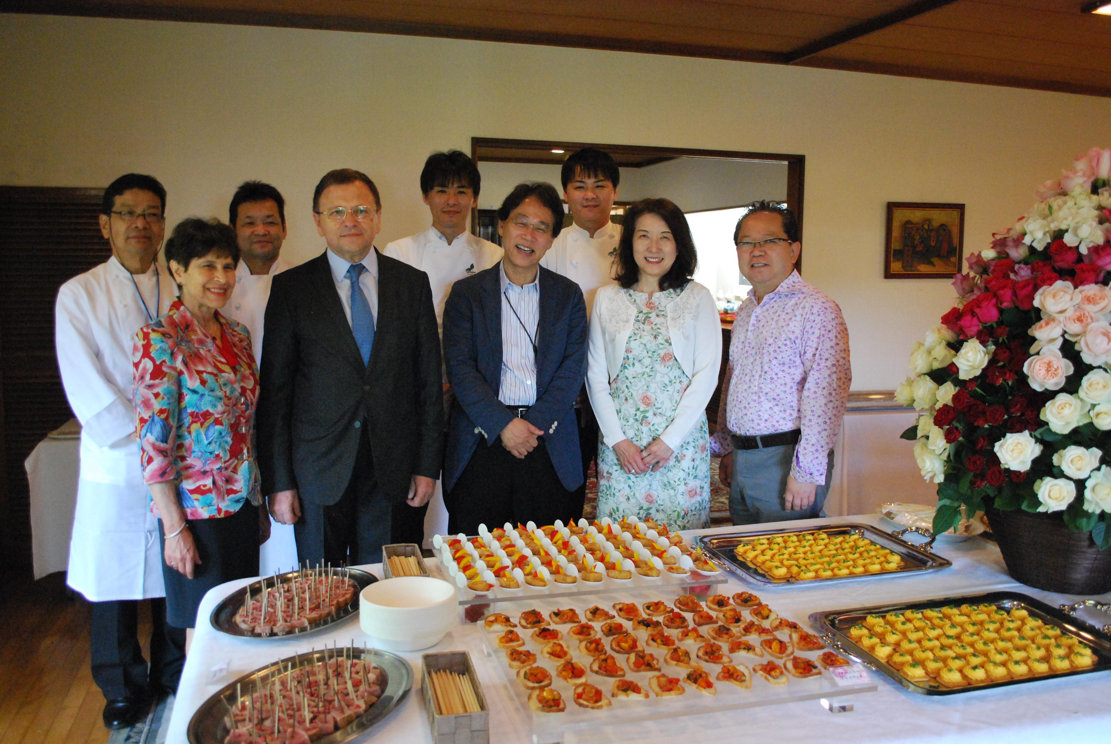 ブルガリア大使夫妻 バラの日の集いにて