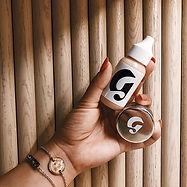 2 make up essentials_ Stretch Concealer