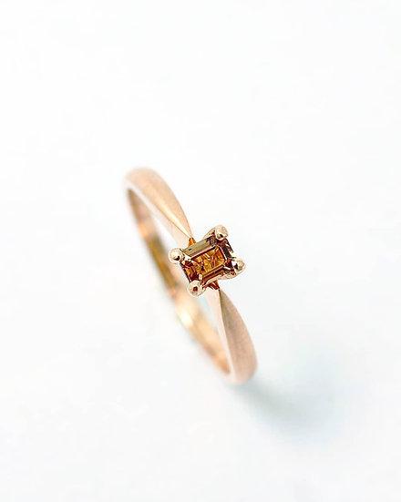 Szafirowy pierścień