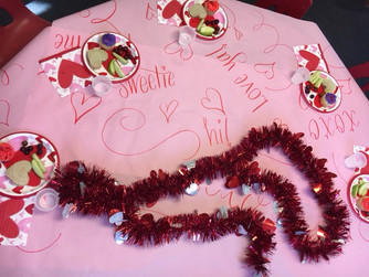 Hand-Lettered Tablecloth How-To