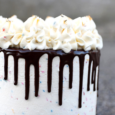 Sprinkles Buttercream Dripcake