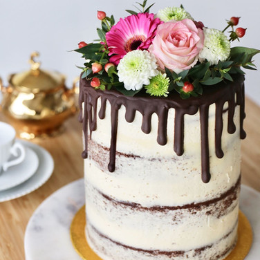 Naked Dripcake with Flowers