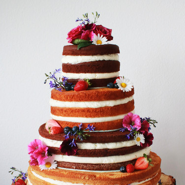 Naked Weddingcake with Berries and Flowers