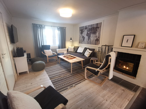 lounge at first floor suite.jpg
