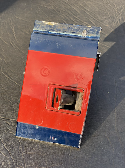 BAe125 CCA Reg ZD704 Skin section off cut with mechanism red and blue