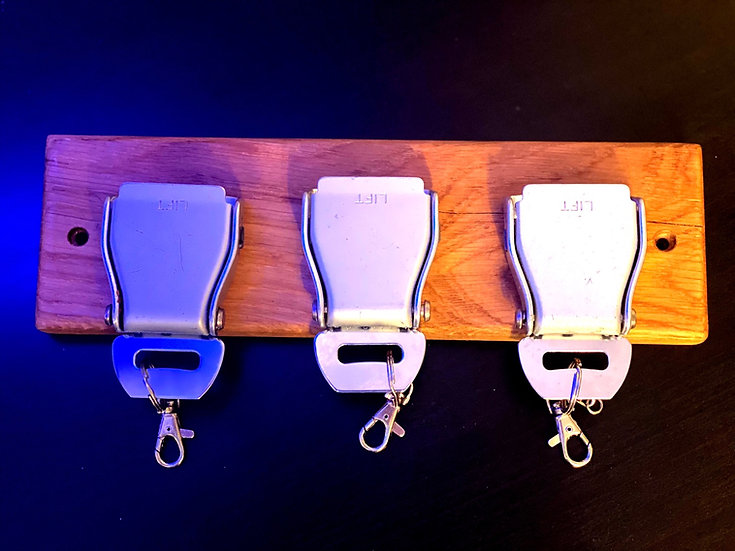 Three belt buckle key rack