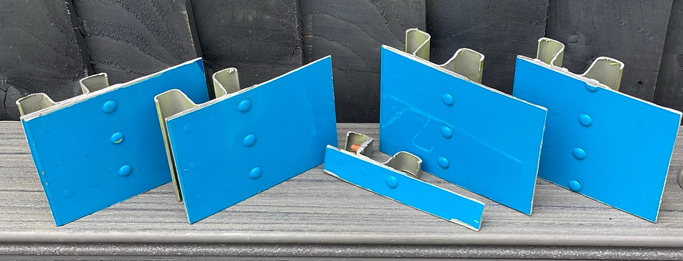 Corsair B747 F-HSEA blue rivet sections