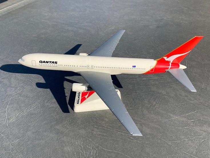 Qantas 767-300 Wooster aircraft model