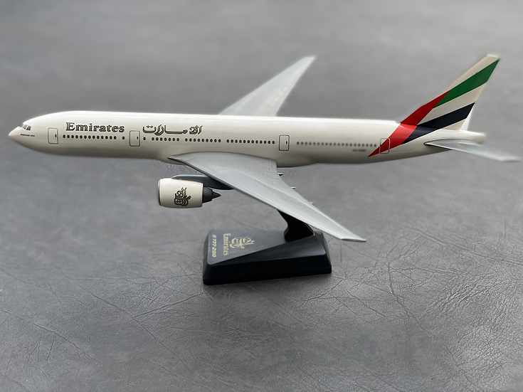 Emirates 777-200 aircraft model