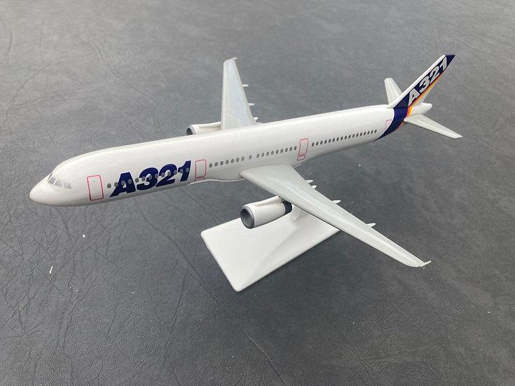Airbus 321 model aircraft