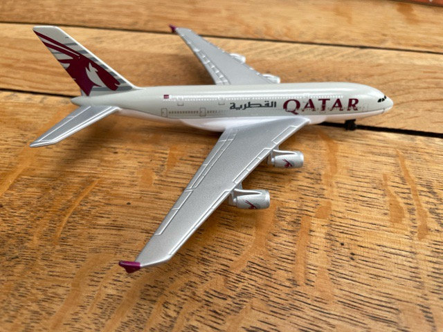 Qatar Airways A380 1/400 Socatec Model