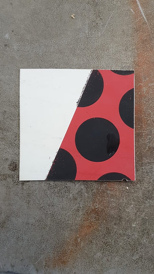 G-CIVL RED and WHITE skin square with dots