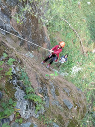Campin'Wild - Rappeling