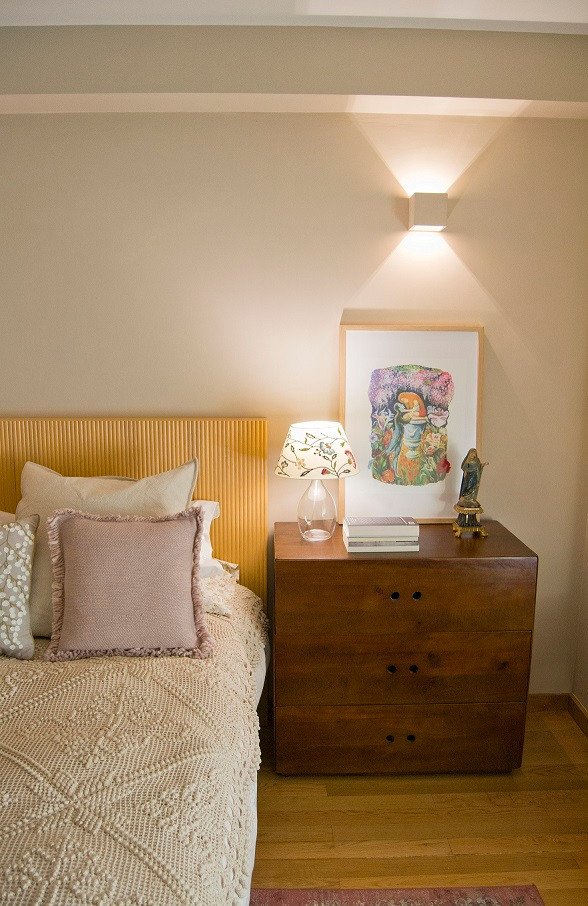 Transformação de casa no Porto. Renovação de interiores. Design de Interiores. Cabeceira de cama rústica e moderna