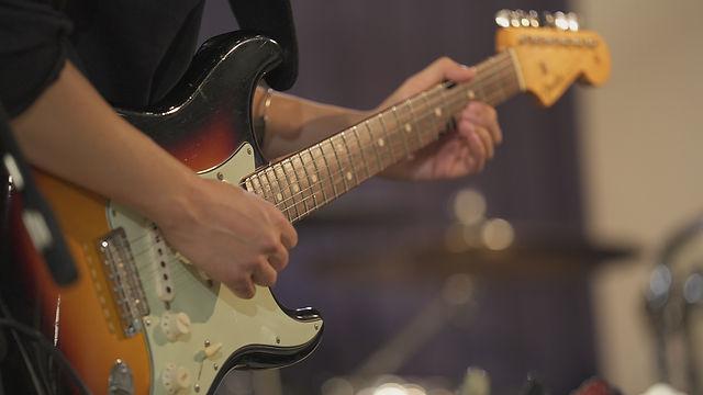 top-guitar03.jpg