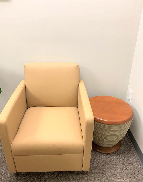 entry way chair 2.jpg