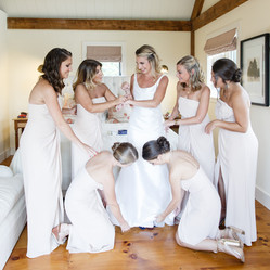 wedding-party-in-soft-colors