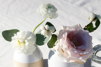 white-pink-wedding-roses.jpg