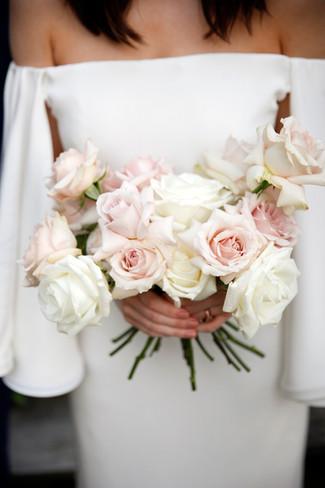 bouquet-roses-storied-bride
