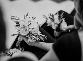 simple-bridesmaids-bouquet.jpg