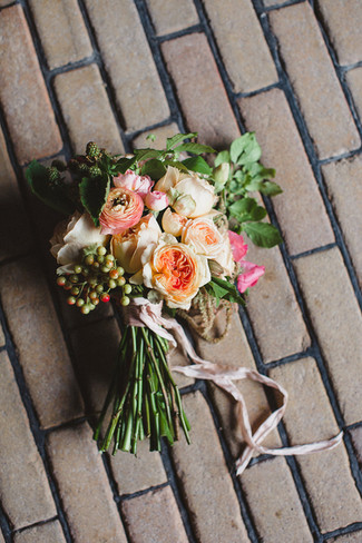 wedding-bouquet-roses.jpg