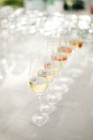 welcome-champagne-wedding-storied-events.jpg