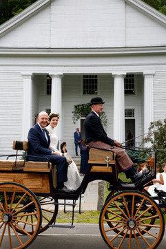 horse-carriage-vermont-wedding-storied-events.jpg
