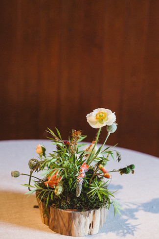 woodland-wedding-flower-idea.jpg