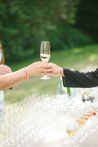 wedding-welcome-champagne.jpg