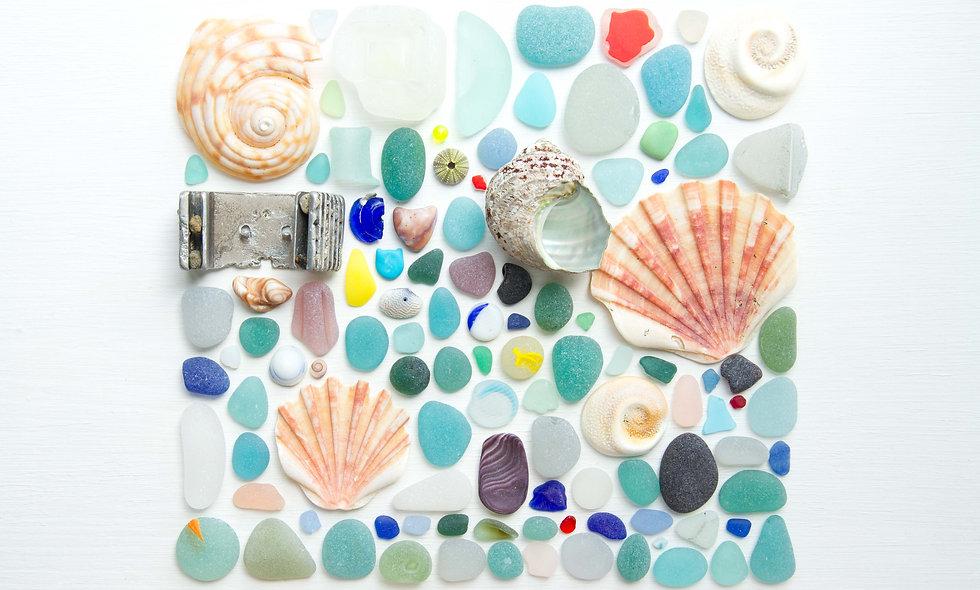 Beachcombing Flatlay I Print