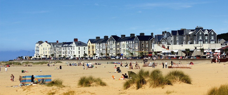 Seaside-Beach-Barmouth-Wales-Welsh-Water