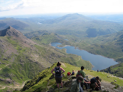 Llyn_Llydaw_from_the_Snowdon_Summit.jpg