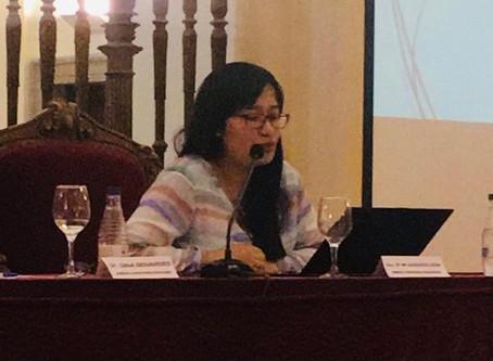 María Augusta León, catedrática de  UASB, expuso sobre amenazas a la paz por conflictos ambientales