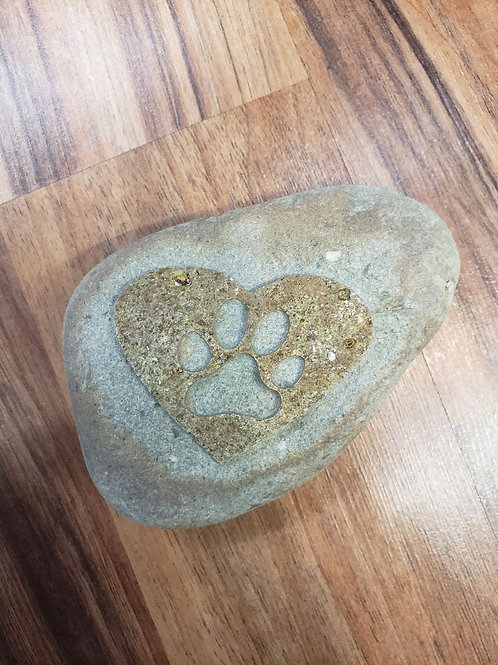 Reverse etched rock - Dog Paw