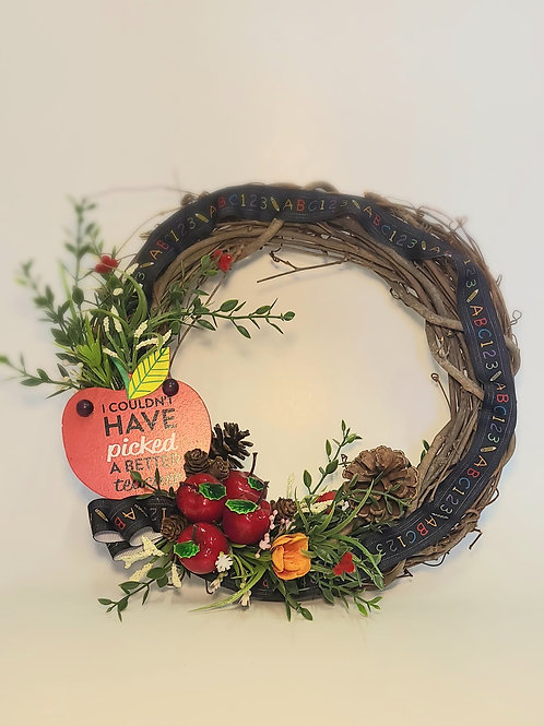 Couldn't Have Picked a Better Teacher Apple Wreath