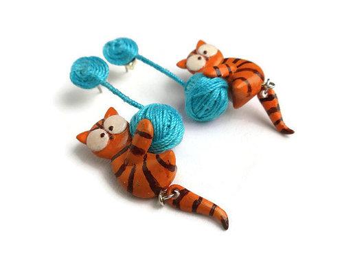 EARRINGS - Kitty with Yarn