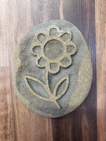 Reverse etched rock - Flower