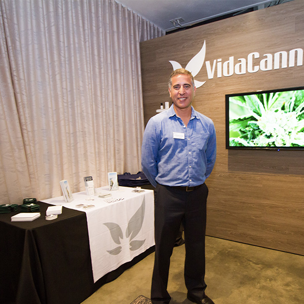 VidaCann Display
