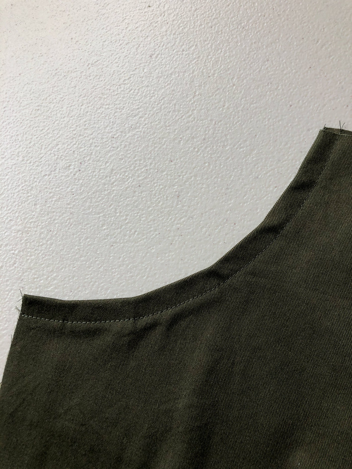 3. Curved Pockets & Side Seams