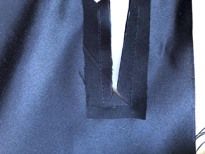 9. Front Zipper
